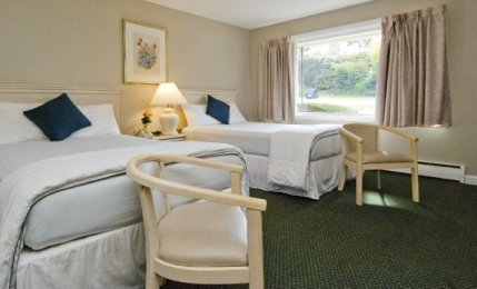 Guest Room with Two Doubles